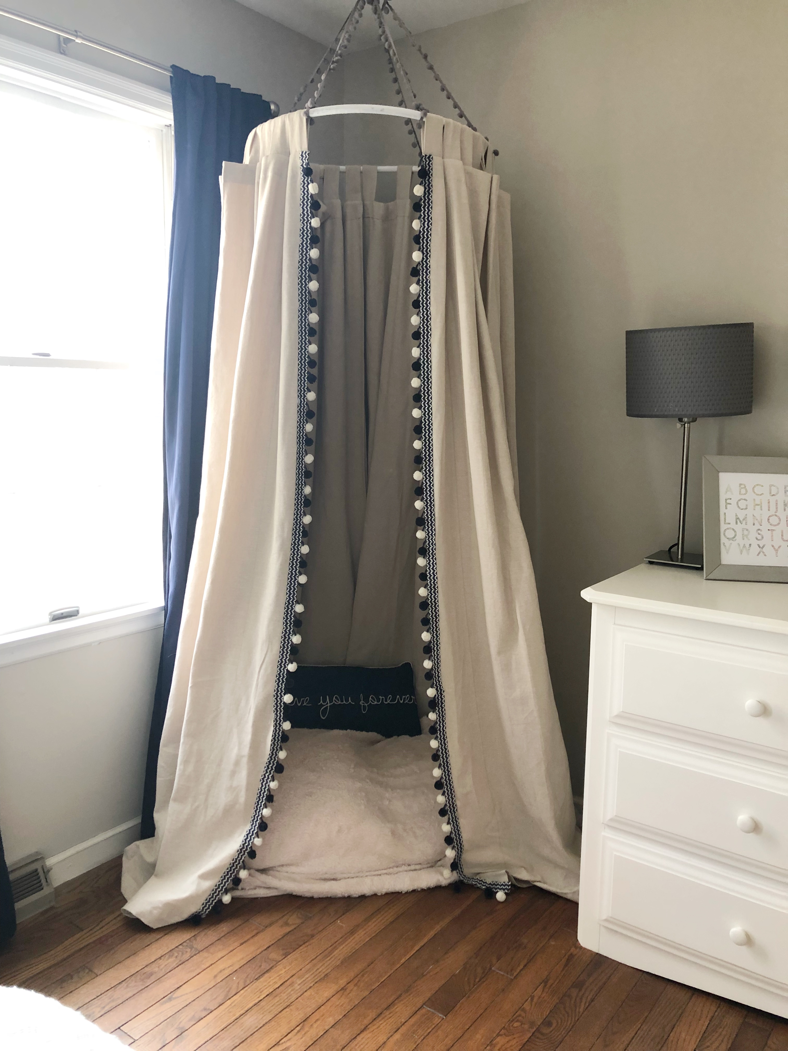 65d68315e275 how to transition to a toddler bed + diy reading canopy
