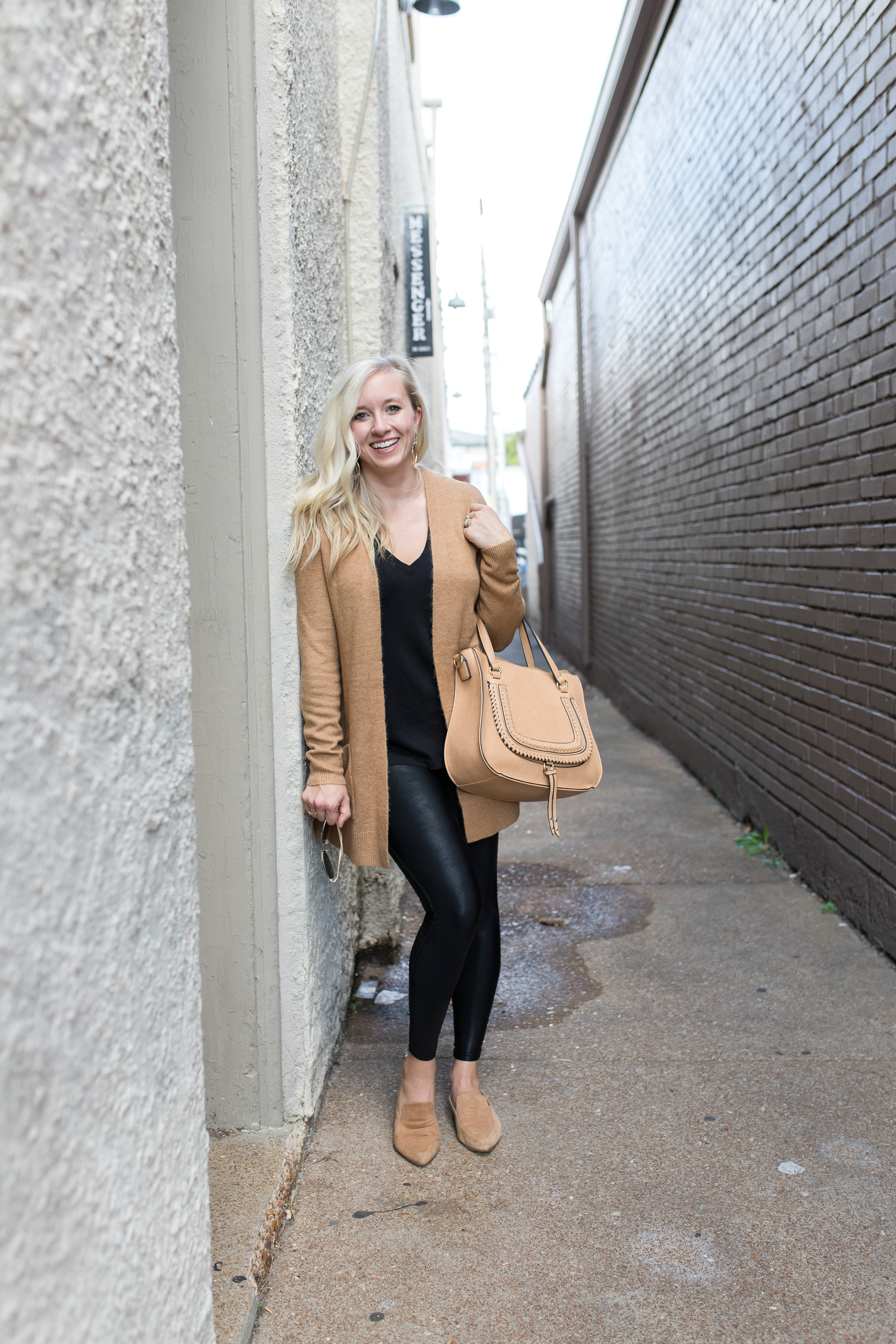 a08faf4fbfe69 how to style spanx faux leather leggings - the babbling blondes
