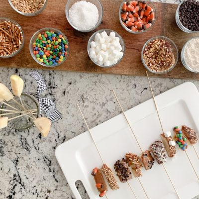 Fall Bucket List | Candy Apple Bar