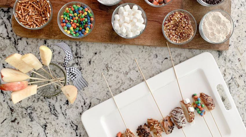 Fall Bucket List | Candy Apple Bar
